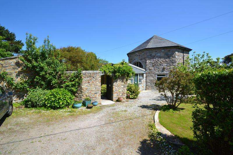 3 Bedrooms Detached House for sale in Hellesveor, St Ives, Cornwall