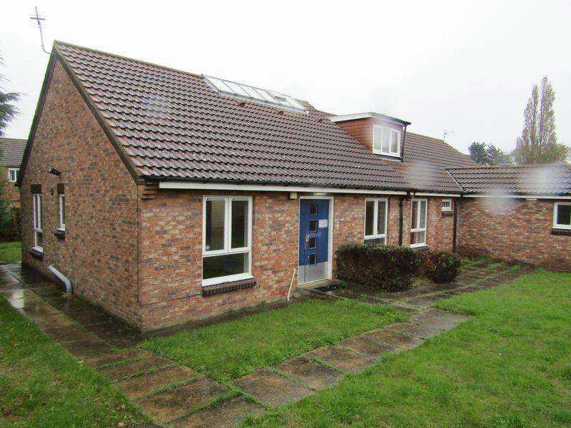 7 Bedrooms Detached Bungalow for sale in Barnoldby Road, Grimsby
