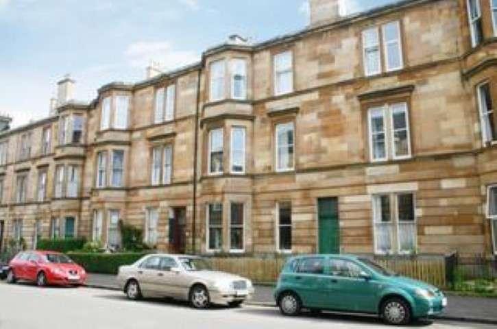 3 Bedrooms Flat for rent in Keir Street, Pollokshields, Glasgow