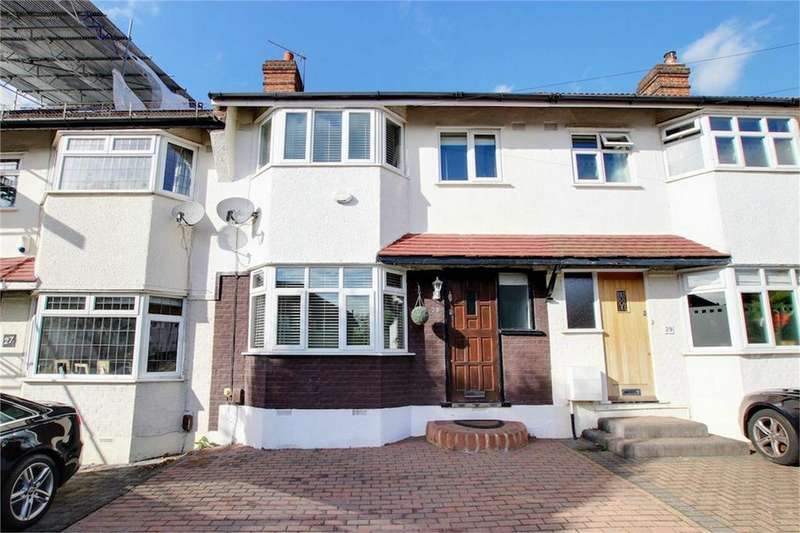 3 Bedrooms Terraced House for sale in Habgood Road, Loughton, Essex