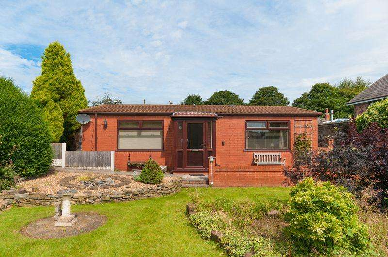 2 Bedrooms Detached Bungalow for sale in Highlands Road, Runcorn