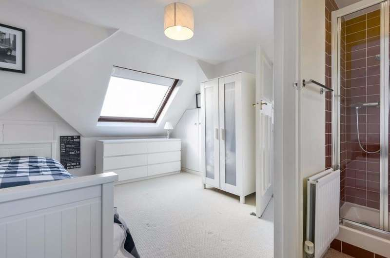 4 Bedrooms Detached House for sale in Crowborough Road Saltdean East Sussex BN2