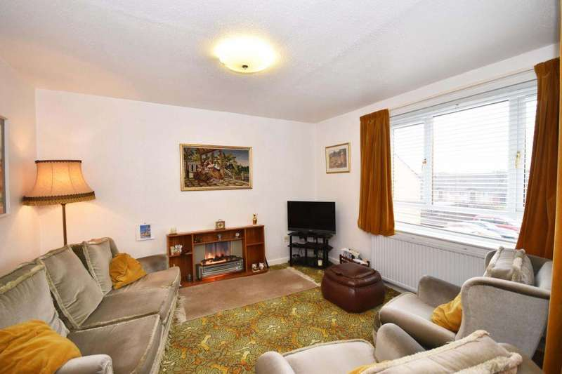 3 Bedrooms Flat for sale in 58 Main Street, West Calder, EH55 8DR