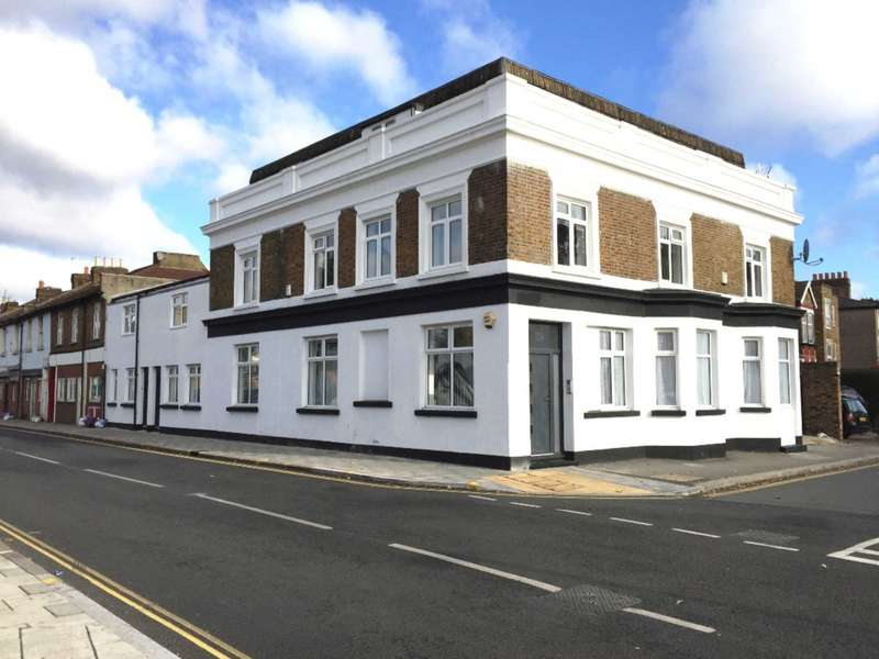 Block Of Apartments Flat for sale in Whitton Road, Hounslow