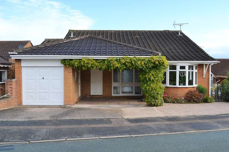 5 Bedrooms Detached House for sale in Waverley Gardens, Rugeley