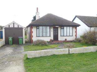2 Bedrooms Bungalow for sale in Seaview Road, Greatstone, New Romney