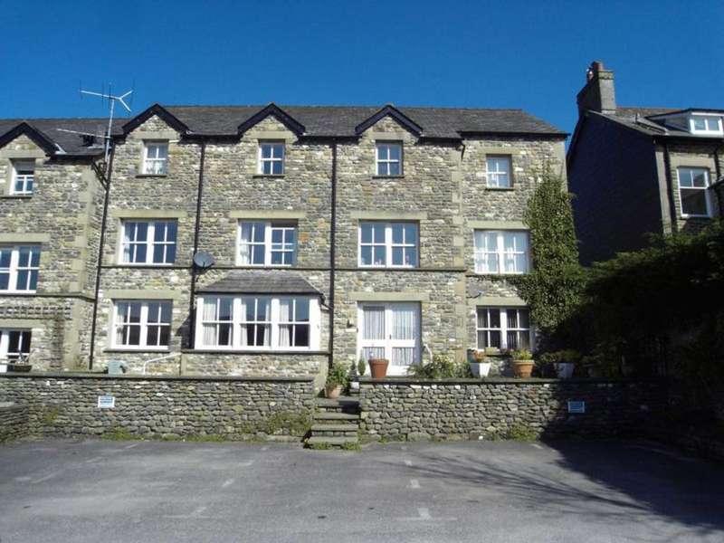 2 Bedrooms Apartment Flat for sale in 2 Bainbridge Court, Sedbergh. Ground Floor Apartment