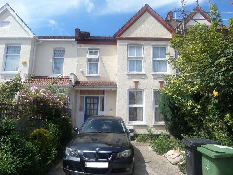 3 Bedrooms Terraced House for sale in Wellmeadow Road, London