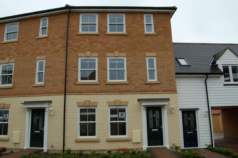 3 Bedrooms End Of Terrace House for sale in WOODLANDS PARK, GREAT DUNMOW CM6