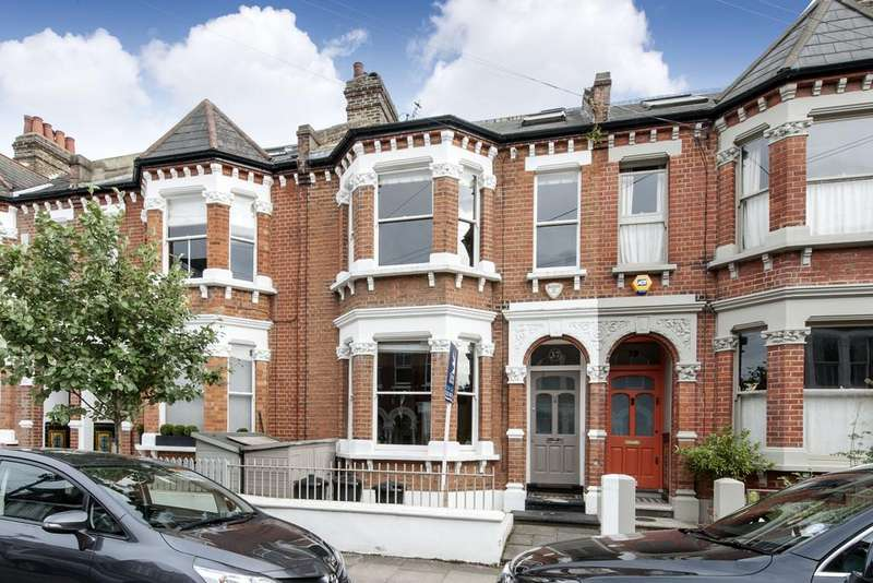 4 Bedrooms Terraced House for sale in Calbourne Road, SW12