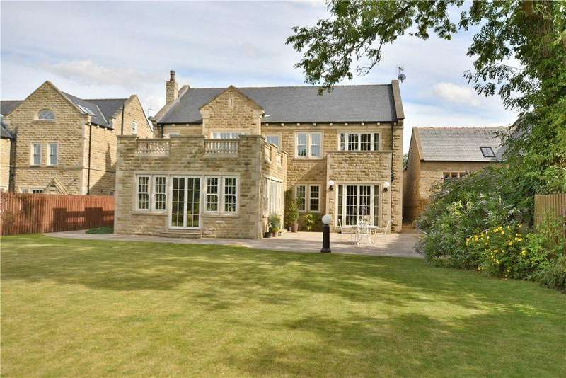 5 Bedrooms Detached House for sale in Back Lane, Drighlington, West Yorkshire