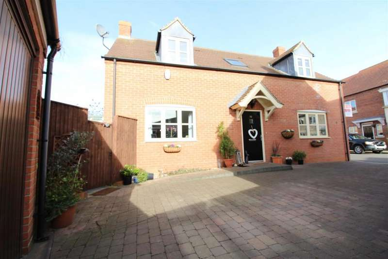 3 Bedrooms Detached House for sale in Peterson Drive, New Waltham, Grimsby