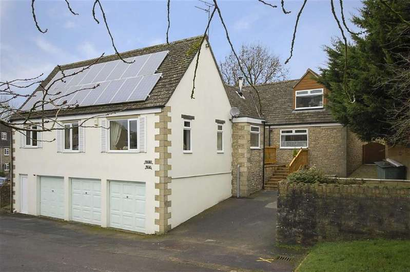 4 Bedrooms Detached Bungalow for sale in Priory Mews, Burton Hill, Malmesbury, Wiltshire