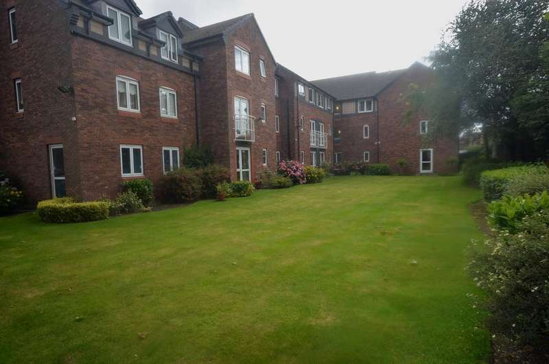 1 Bedroom Retirement Property for sale in Mayfair Court, Park Road, Timperley WA15