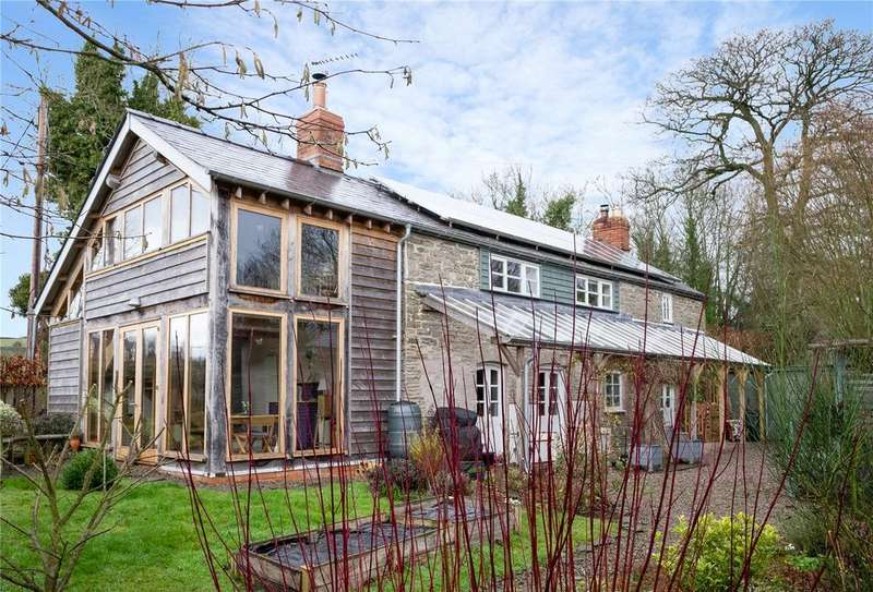 3 Bedrooms Detached House for sale in Kinnerton, Presteigne, Powys