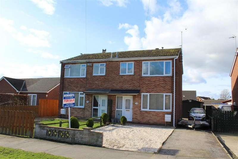 3 Bedrooms Semi Detached House for sale in Hawling Road, Market Weighton, York