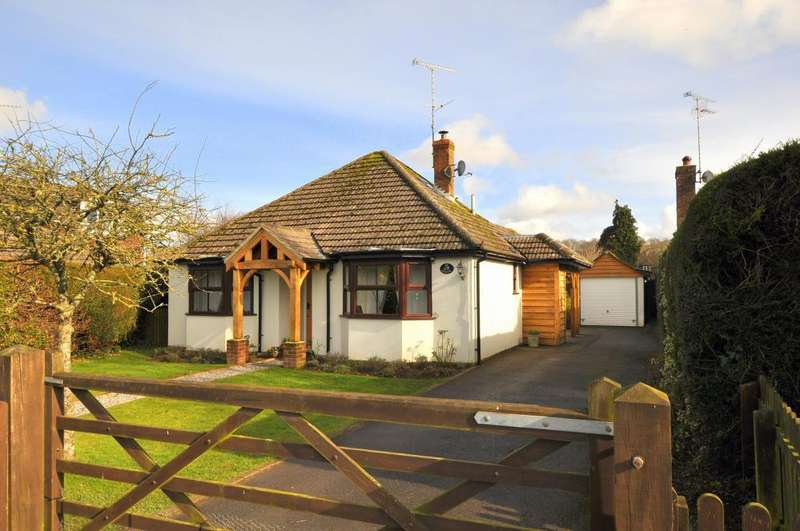 4 Bedrooms Detached Bungalow for sale in NEW FOREST, Ringwood, BH24 3NJ