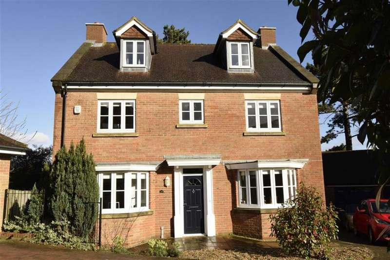 5 Bedrooms Detached House for sale in Rooks View, Sittingbourne, Kent, ME9
