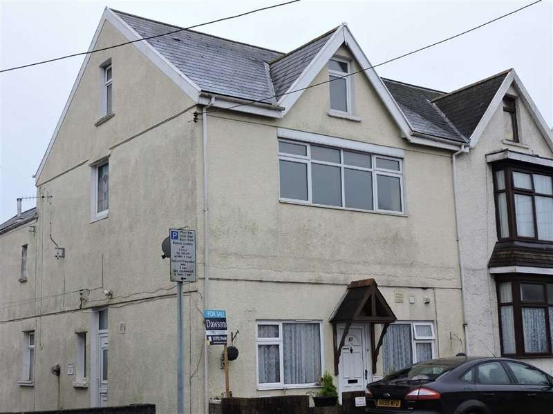 3 Bedrooms Flat for sale in Alexandra Road, Gorseinon, Swansea