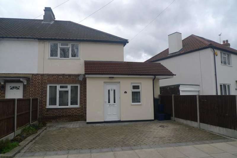 3 Bedrooms End Of Terrace House for sale in Warburton Road, Whitton TW2
