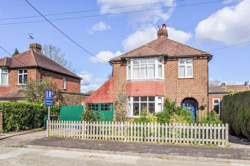 3 Bedrooms Detached House for sale in Cobbles Crescent, Northgate