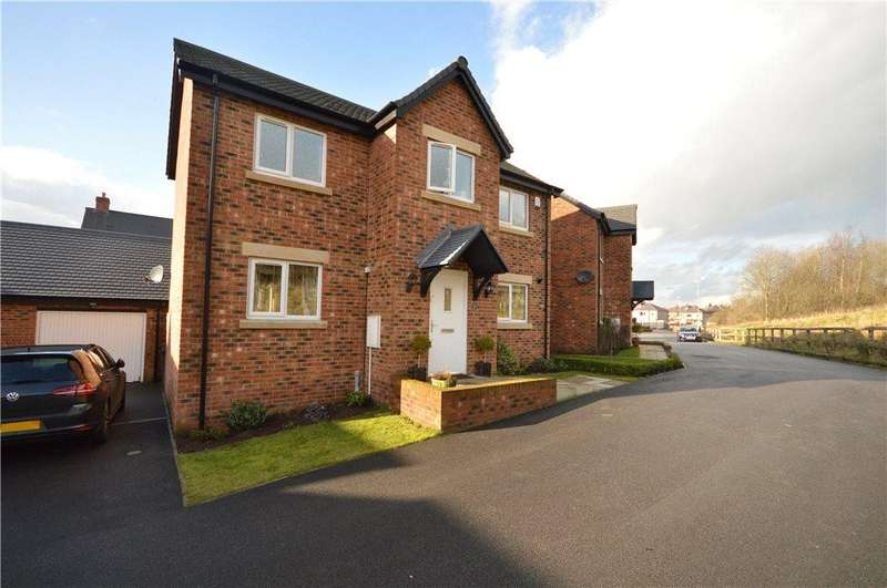 3 Bedrooms Detached House for sale in Latimer Way, Guiseley, Leeds, West Yorkshire