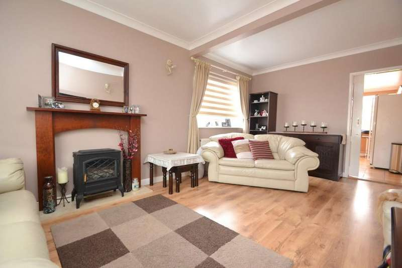 4 Bedrooms Detached Bungalow for sale in Maldon Road, Great Baddow
