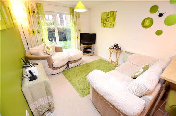 2 Bedrooms Apartment Flat for sale in 62 Penstock Drive, Lock 38, Cliffe Vale, Stoke-On-Trent