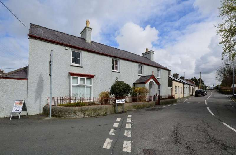 5 Bedrooms Link Detached House for sale in Lon Pant, Llanfairpwll, North Wales