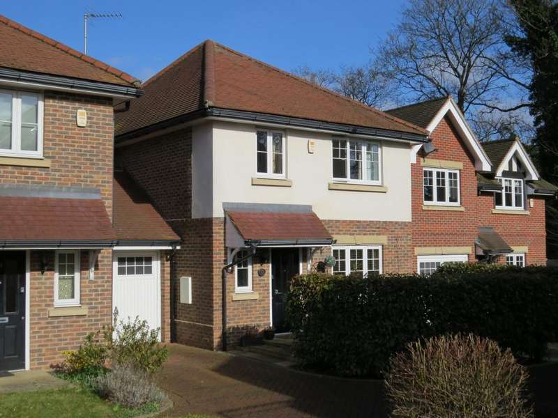 4 Bedrooms Detached House for sale in Woodside Gardens, Marlow