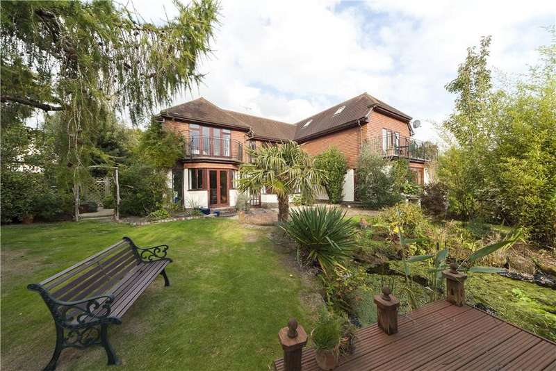 4 Bedrooms Detached House for sale in Sandy Lane, Storrington, Pulborough, West Sussex, RH20