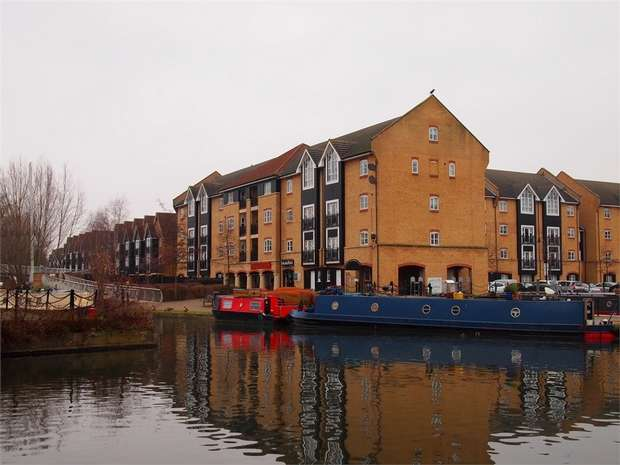 3 Bedrooms Flat for sale in Evans Wharf, Apsley Lock, Hemel Hempstead, Hertfordshire