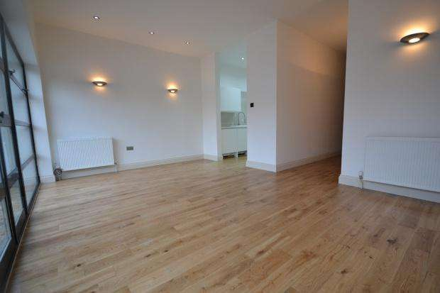 2 Bedrooms Apartment Flat for sale in Gleneldon Road, Streatham, London, SW16