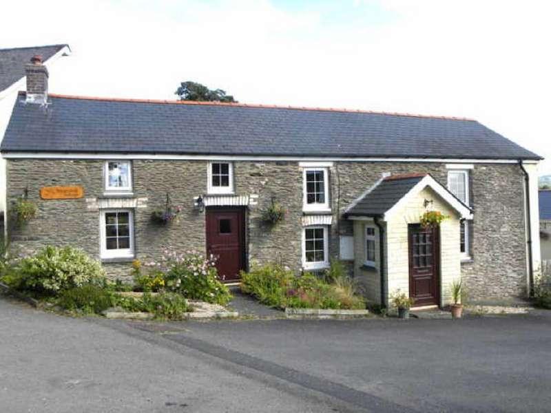 4 Bedrooms Cottage House for sale in Llanybydder, Ceredigion