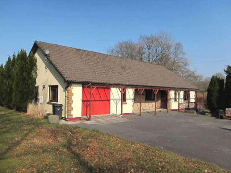 3 Bedrooms Bungalow for sale in Llanwrda, Carmarthenshire