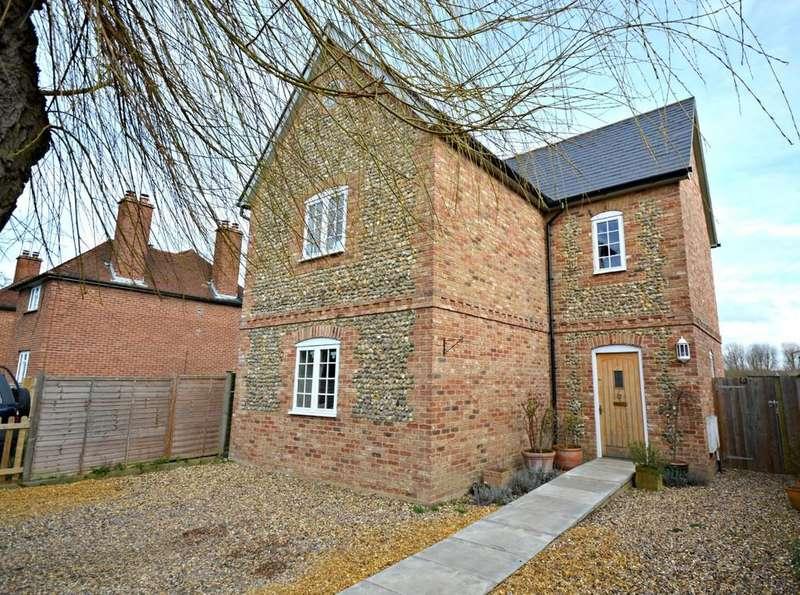 5 Bedrooms Detached House for sale in 22 Brookhampton Street, Ickleton, Saffron Walden, Essex, CB10 1SP
