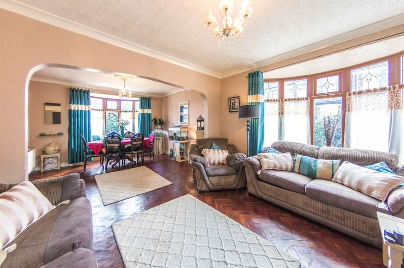 3 Bedrooms Detached House for sale in Kildare Street, Manselton, Swansea