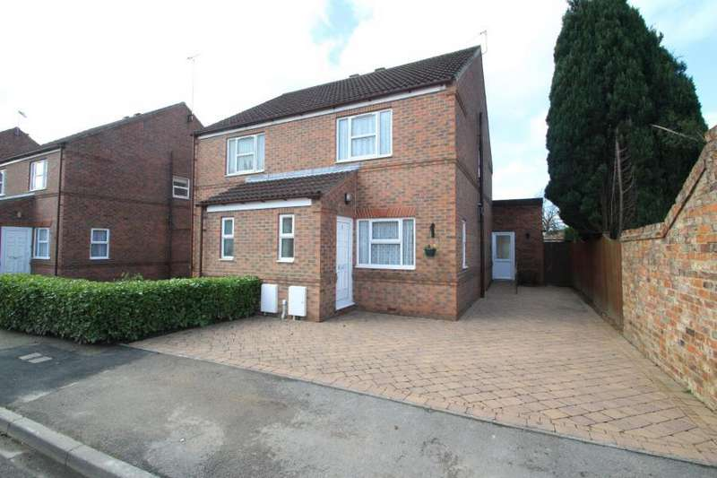 2 Bedrooms Semi Detached House for sale in ROSEMARY COURT, EASINGWOLD, YO61 3EZ