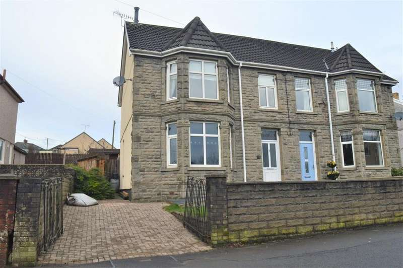 4 Bedrooms Semi Detached House for sale in Fernlea, Gwerthoner Road, Gilfach