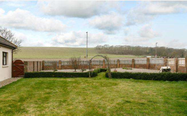 4 Bedrooms House for sale in Greenways, Ovingdean, Brighton
