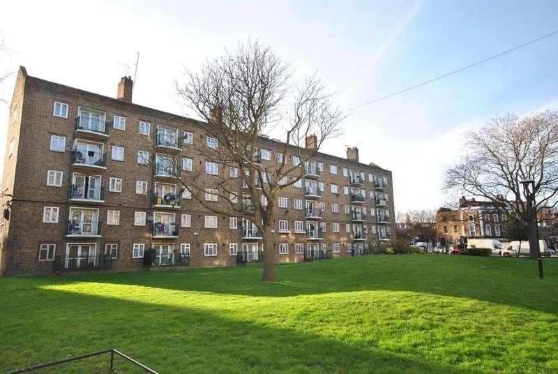 3 Bedrooms Flat for sale in Lambeth Road Kennington SE11