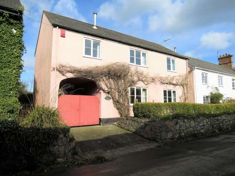 5 Bedrooms Detached House for sale in Old Liverton Road, Newton Abbot