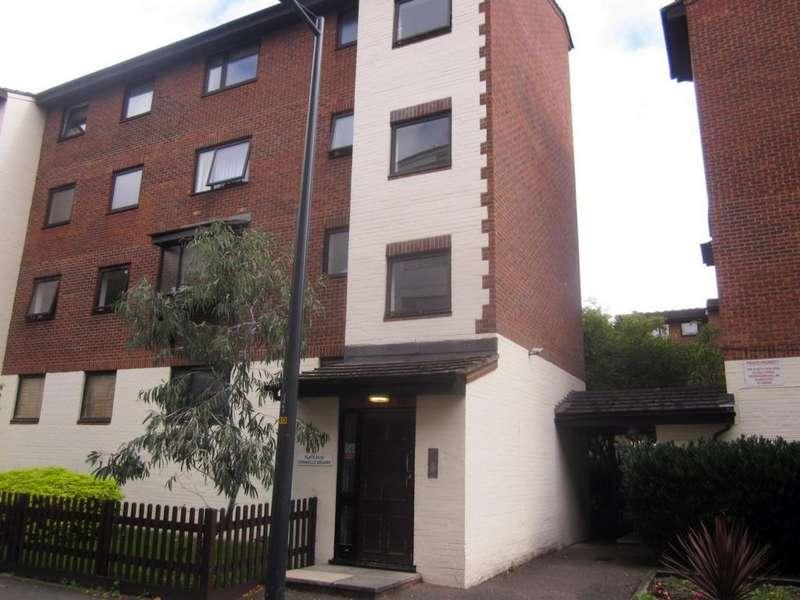 Studio Flat for sale in Granville Square, Peckham Grove, SE15