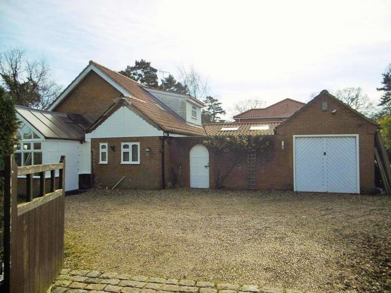3 Bedrooms Detached Bungalow for sale in Hainford, Norwich