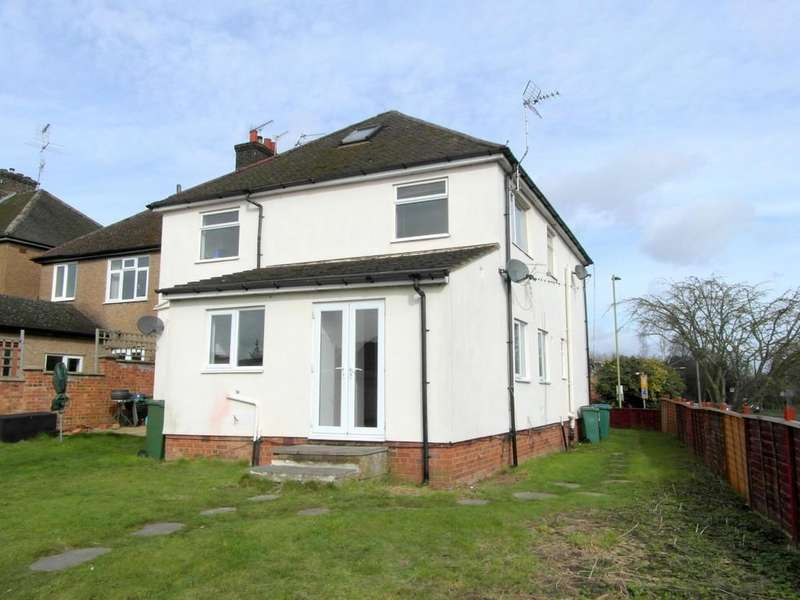 2 Bedrooms Ground Maisonette Flat for sale in Balmoral Road, Watford