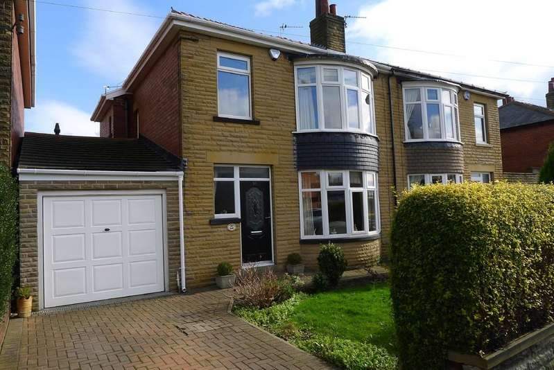 3 Bedrooms Semi Detached House for sale in Bennett Lane, Hanging Heaton