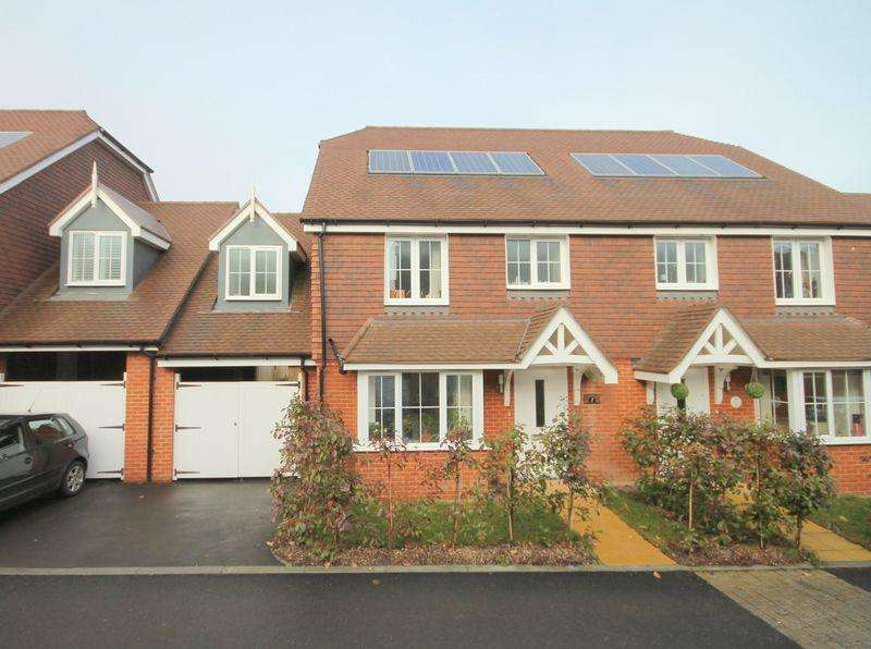 3 Bedrooms Semi Detached House for sale in Nettle Grove, Lindfield, West Sussex