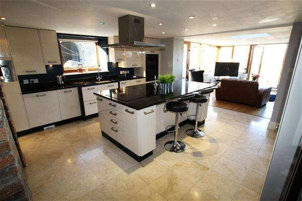 4 Bedrooms Semi Detached House for sale in Milner Royd House West, London Road, Norland