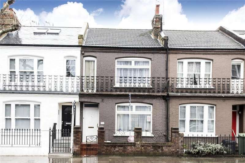 3 Bedrooms Terraced House for sale in Wandsworth Bridge Road, London, SW6