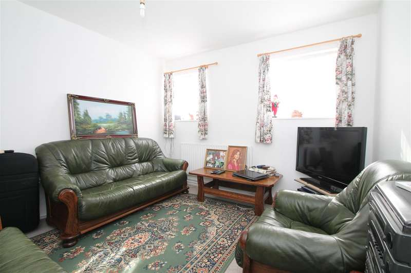 1 Bedroom Maisonette Flat for sale in Crawford Gardens, Palmers Green, London N13